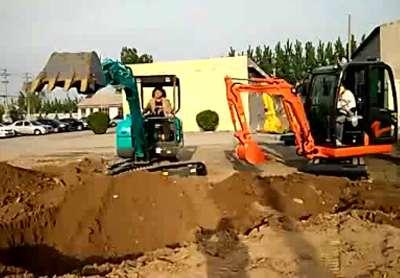 国产小型挖掘机