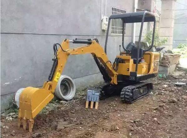 农用轮式挖掘机的总体设计